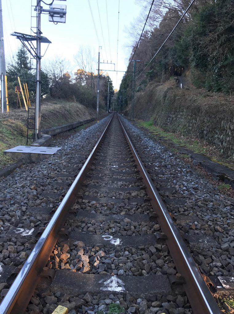 線路を渡って